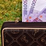 【自己肯定感】コップの中の水が、あなたのお財布や銀行口座の金額だったら・・・?